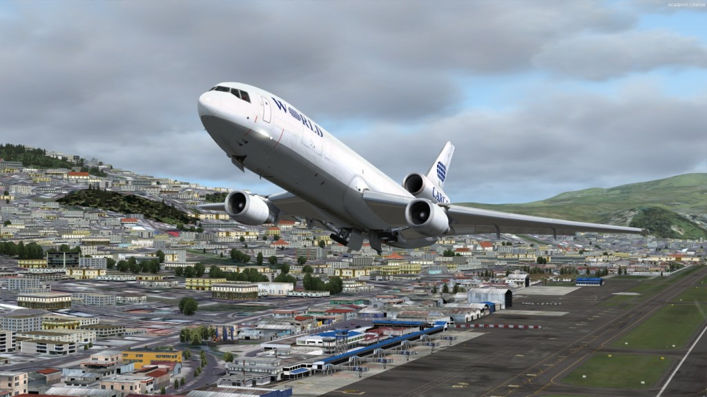 How to get from the airport to Quito?