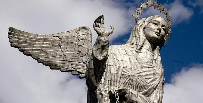 The Virgin looking at Quito – El Panecillo